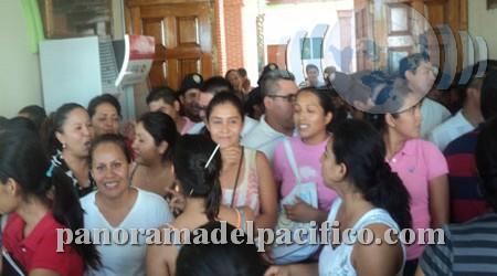 Zafarrancho en el ayuntamiento de Huatulco
