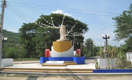 Irritabilidad entre la sociedad de la Luz Tututepec por imágenes obscenas de la agente municipal