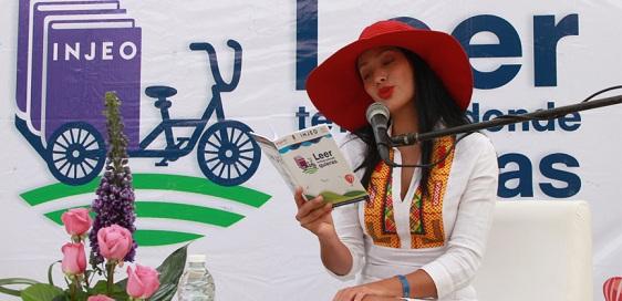 Con el apoyo de la actriz Maya Zapata, se fomenta el hábito de la lectura en Huatulco