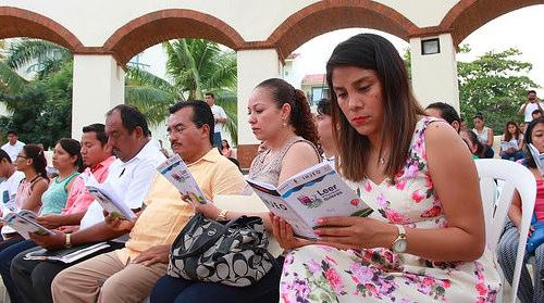 Con el apoyo de la actriz Maya Zapata, se fomenta el hábito de la lectura en Huatulco2