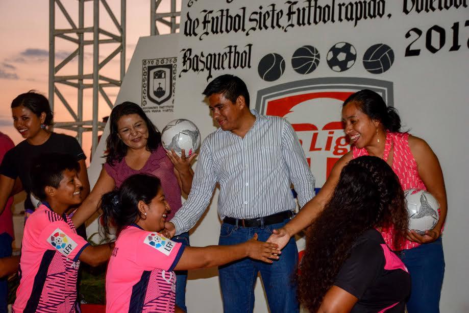 """José Hernández inaugura Liga Municipal """"Hux"""" en las disciplinas de fútbol rápido, básquetbol y voleibol"""