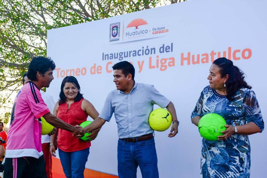 Jos hern ndez inaugura la liga municipal de futbol hux for Liga municipal marca