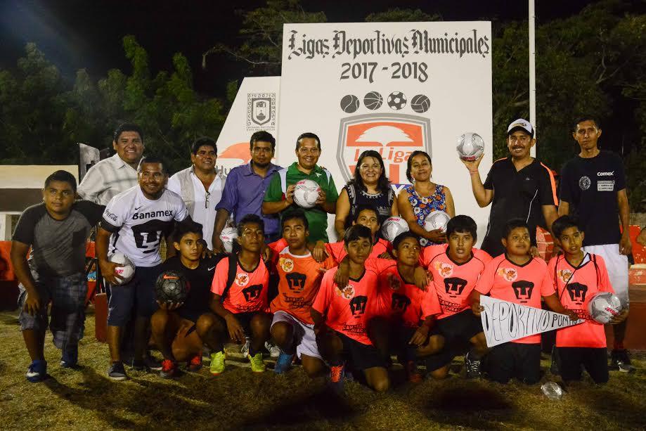 "Se inaugura Liga Municipal ""Hux"" en Santa Cruz Huatulco"
