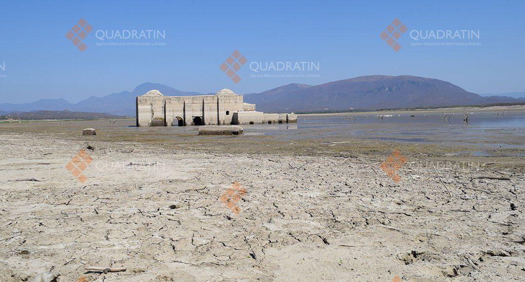 Sequía deja al descubierto pueblo viejo en Jalapa del Marqués