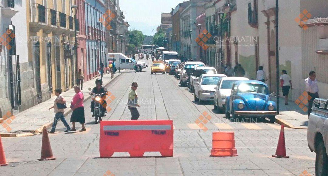 Bloqueos ocasionan caos vial en el centro de la ciudad de Oaxaca