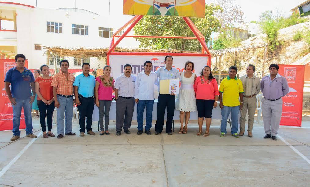 Gobierno Municipal Huatulco visita con Latiendo Cerca Bajos de Coyula y La Erradura