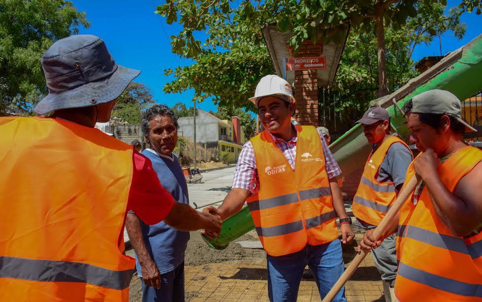 José Hernández realiza supervisión de obra pública en Cabecera Municipal