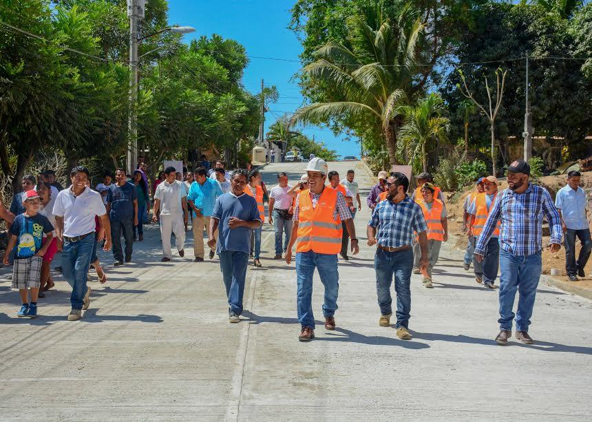 José Hernández realiza supervisión de obra pública en Cabecera Municipal2