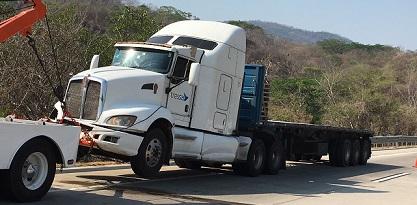 Accidente en la Autopista del Sol deja saldo de 4 muertos y 5 heridos;