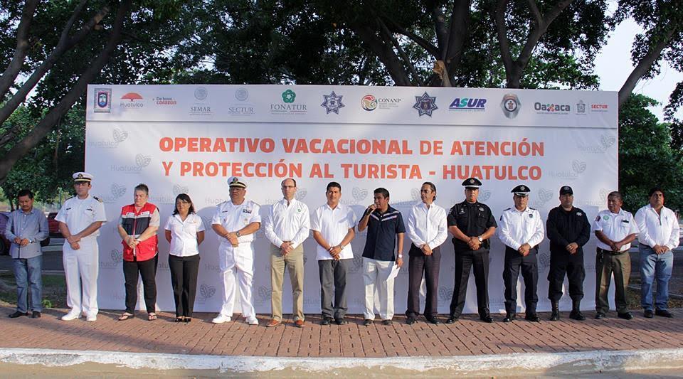 Realizan en Huatulco banderazo de Operativo Vacacional Semana Santa 2017