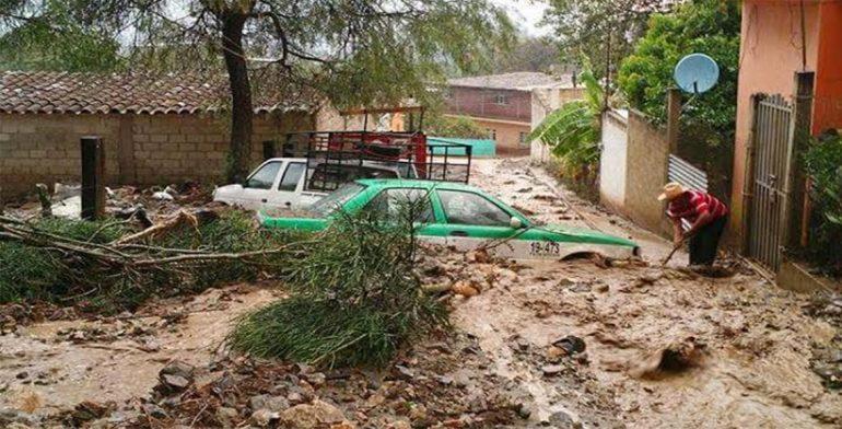 Una mujer desaparecida y daños materiales dejó lluvia en Teotitlán1