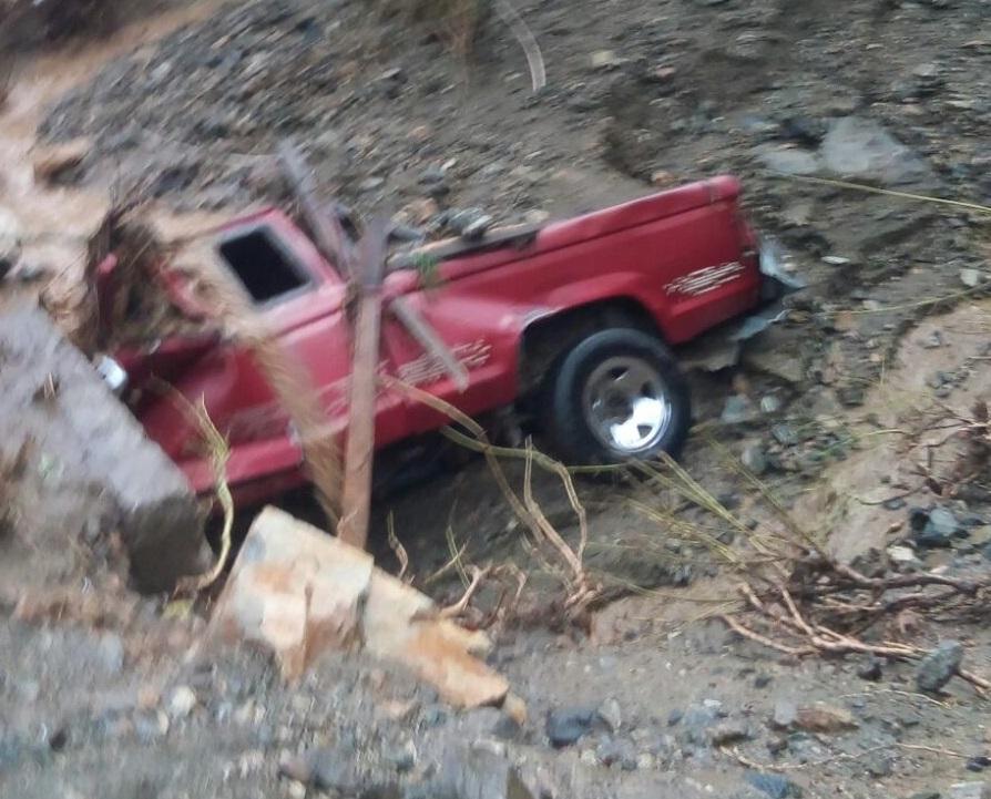 Una mujer desaparecida y daños materiales dejó lluvia en Teotitlán2