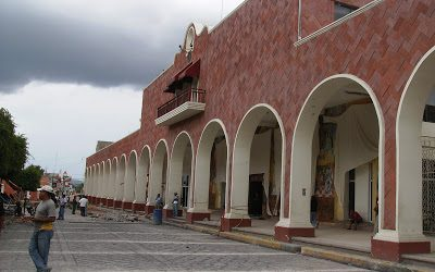 Drogan a dos estudiantes de Oaxaca y las abandonan en Puebla
