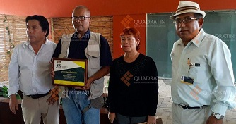 Entrega APO reconocimientos a periodistas oaxaqueños