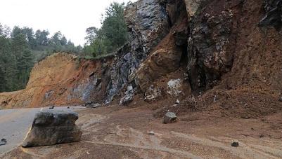 Gastó gobierno en 2 años, 39 mdp en carreteras de Oaxaca; inversión arrasada por lluvias
