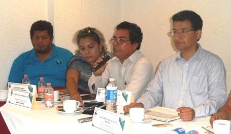 Comunicadores de la Costa exigieron castigo a presidentes municipales y caciques agresores de periodistas.