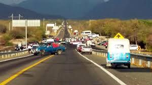 Bloquean carretera al Istmo