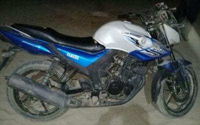 Policia asegura motocicleta robada en la costa