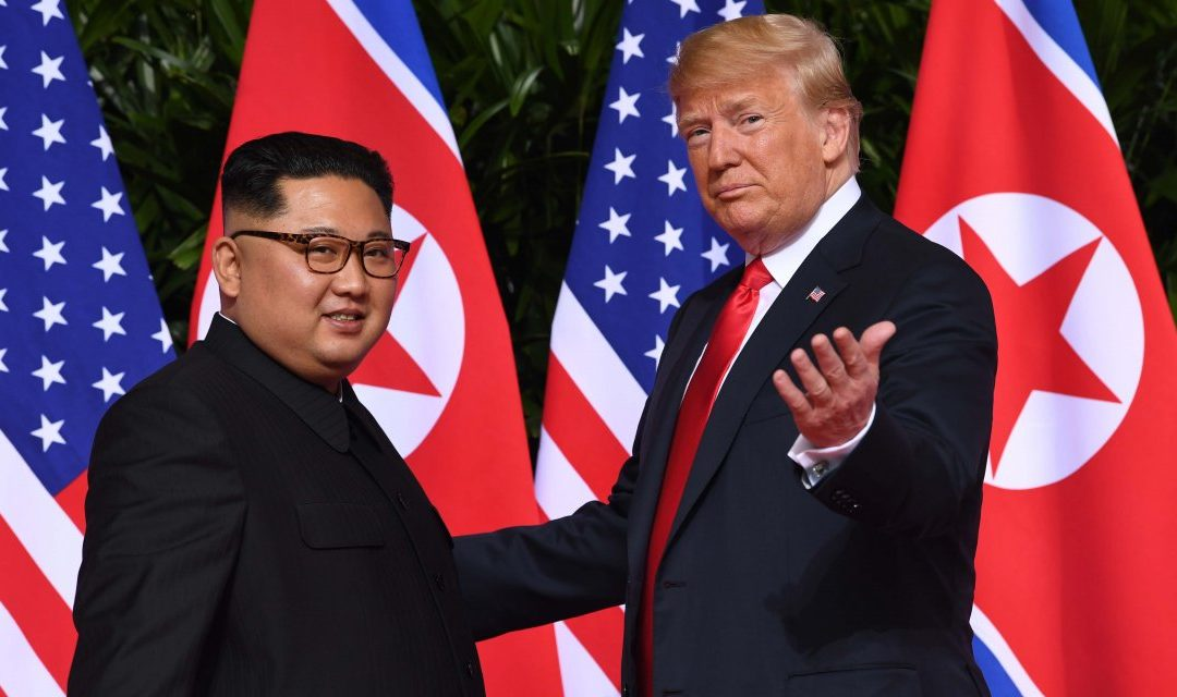 Apretón de manos: así fue el histórico encuentro entre Kim Jong-Un y Trump