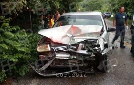 Cuatro heridos deja choque en la carretera federal 200