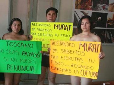 """En """"TRAJE DE RANA"""" por Feminicidios"""