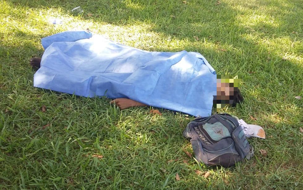 Fallece indigente frente al ADO, Huatulco