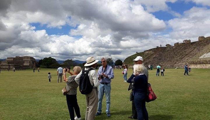 Medios de comunicación italianos conocen las tradiciones y riqueza de Oaxaca