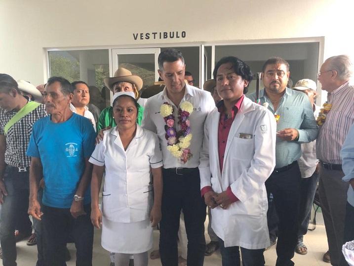 Fortalecen bienestar de las familias de Santos Reyes Nopala