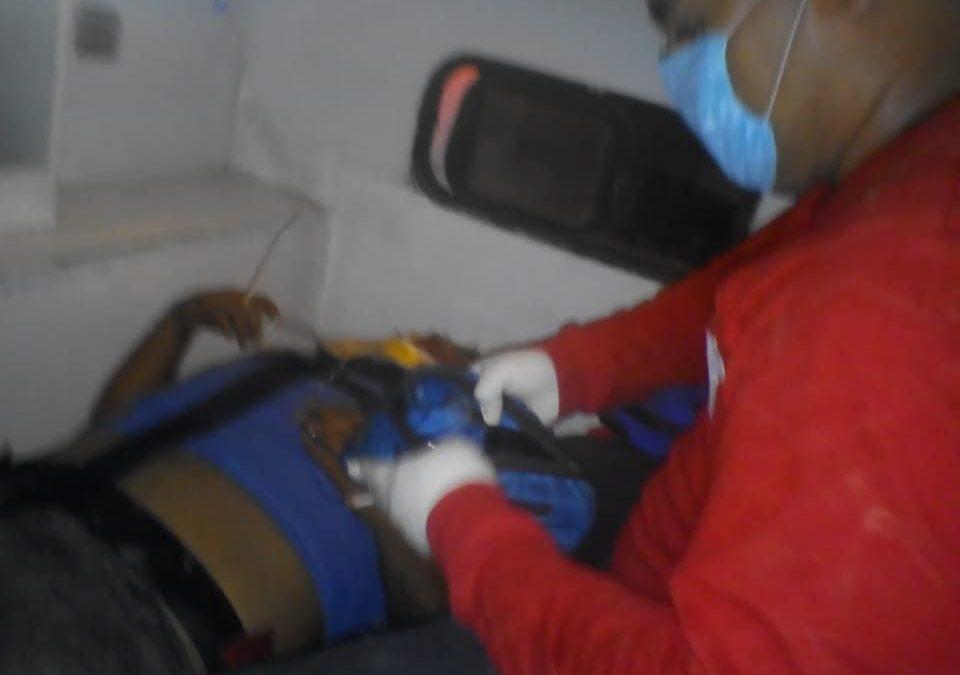 """""""Bomberos Huatulco"""" atiende a motociclistas lesionados en San Agustín"""