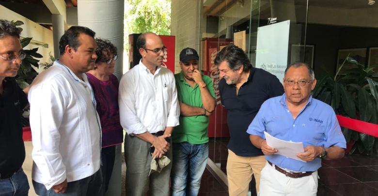 """En Huatulco, Inauguración de exposición """"En los tulares de las serpiente"""""""