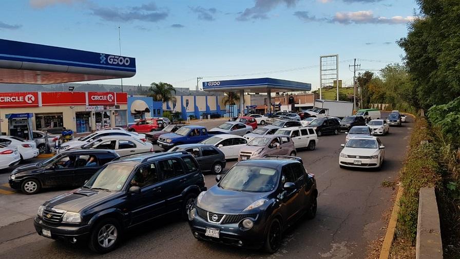 Ya salió el peine, de la falta de gasolina en el país