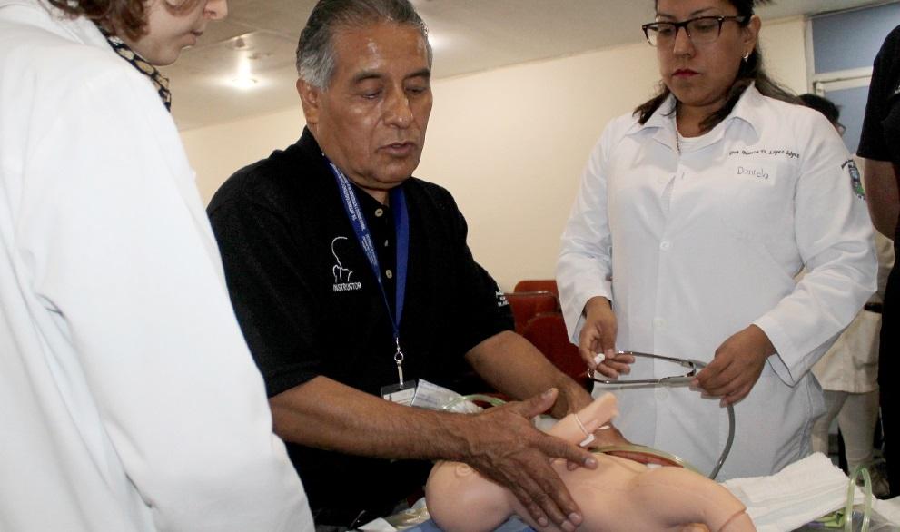 Capacita SSO a personal médico sobre reanimación en recién nacidos