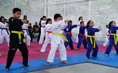 """Evalúan a alumnos de Taekwondo Do """"Guerrero Indomable Huatulco"""""""