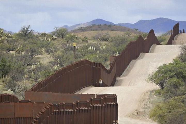 Autoriza Pentágono mil mdd para construcción de muro fronterizo