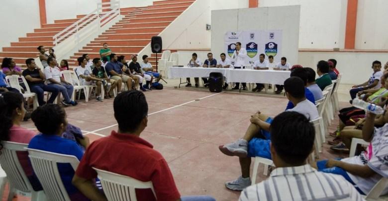 Edil incentiva y promueve el deporte en Huatulco