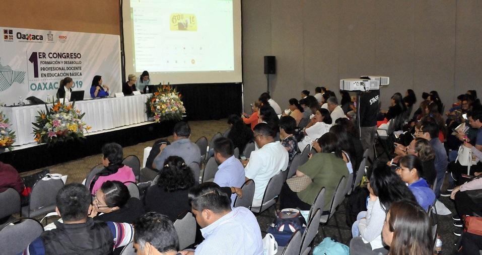 Reúne más de 350 participantes Primer Congreso en Formación Docente