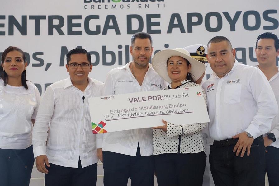 Fortalece Gobierno de Oaxaca sector educativo, agropecuario y a mujeres de Huatulco