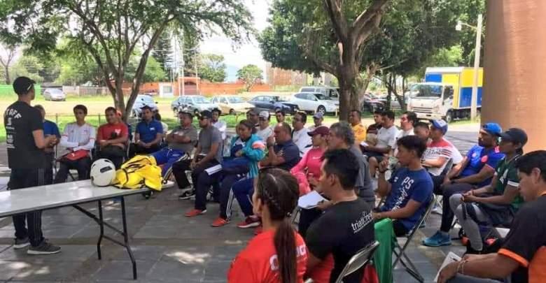 Entrenadores de Huatulco participan en clínica de fútbol