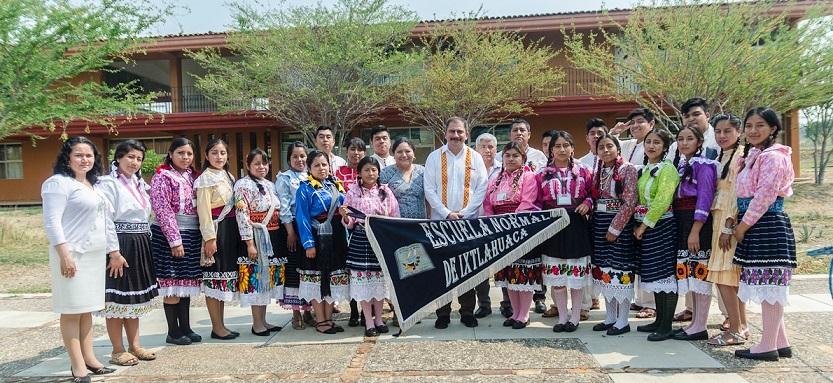 Oaxaca, sede de encuentro de escuelas normales con enfoque intercultural bilingüe