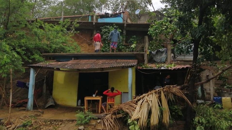 Daños materiales provocó tormenta en Pochutla
