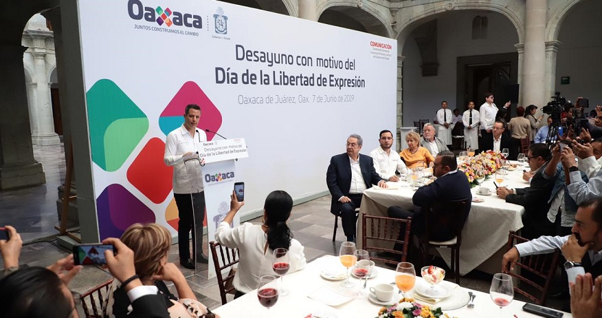 Reconoce Gobierno de Oaxaca aportación invaluable de los comunicadores en la construcción de una sociedad democrática