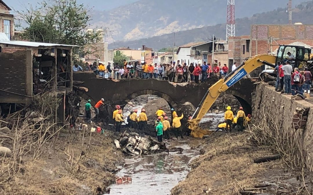 Suman cuatro las victimas mortales que dejó un alud de lodo en el municipio de San Gabriel Jalisco