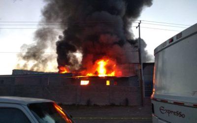 Bomberos sofocan incendio en Aguascalientes