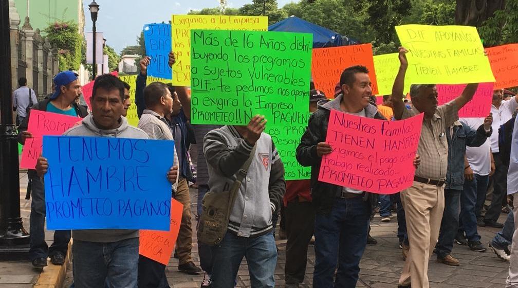 Protestan y marchan transportistas de Magdalena Etla