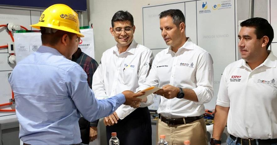 Con capacitación el Gobierno de Oaxaca otorga herramientas para fortalecer el sector productivo