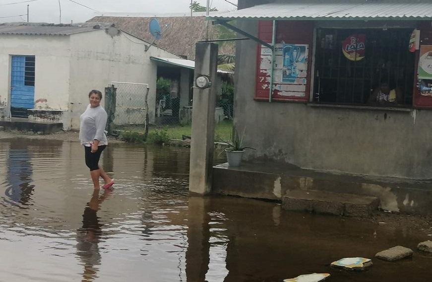 Ejército, CEPCO y municipios trabajan en afectaciones por lluvias esta noche