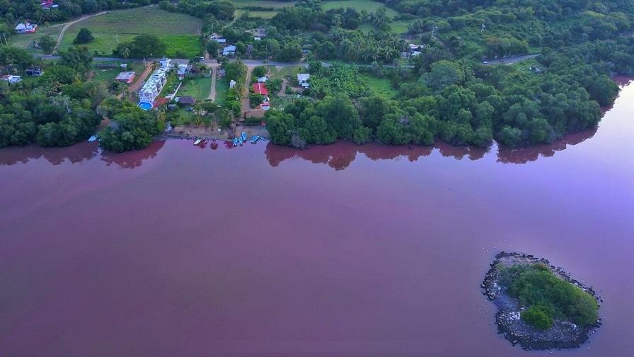 """De los grandes paraísos de Oaxaca es: """"la laguna de Manialtepec"""""""