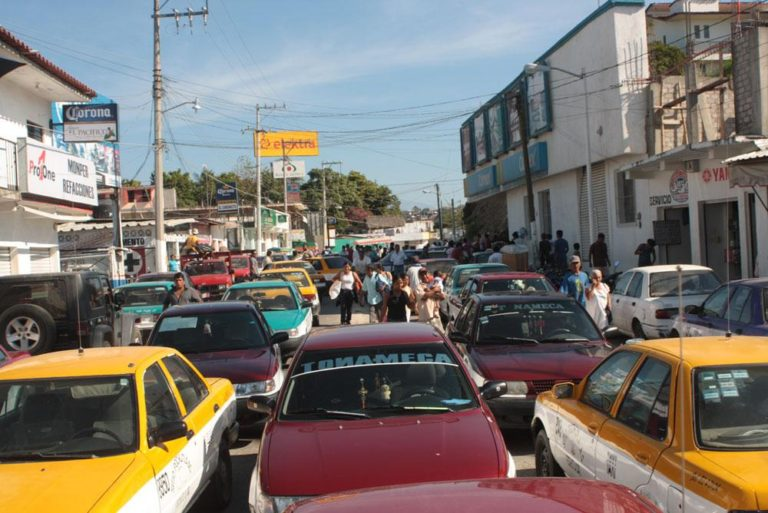 A revisión, tarifas de taxis en Pochutla, anuncia SEMOVI