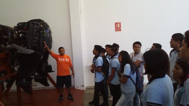 Sector Naval recibe visita de estudiantes en Huatulco