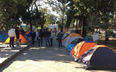 Trabajadores de Telebachilleratos Comunitarios continúan en plantón por segundo día en el Paseo Juárez El Llano.